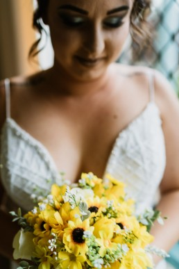 Wedding bouquet of daisies